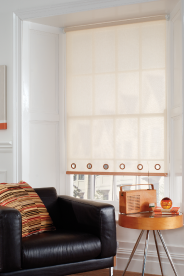 Eyelet finish for your roller blind